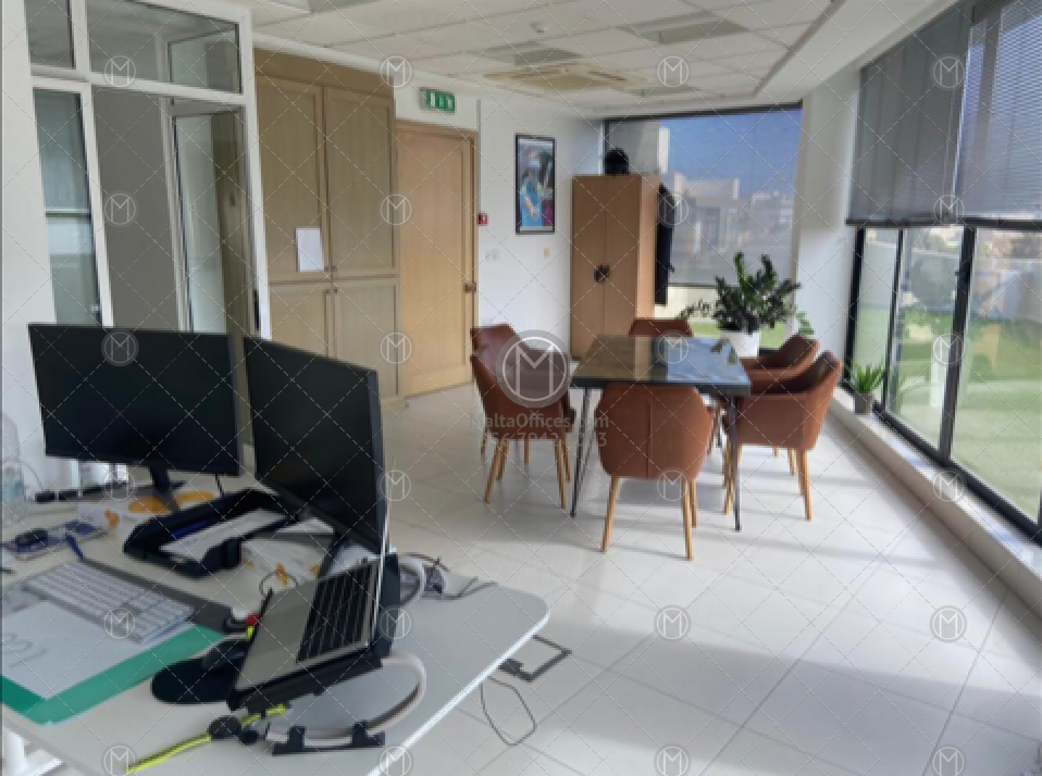 125m2 Penthouse Office for Rent - (3)