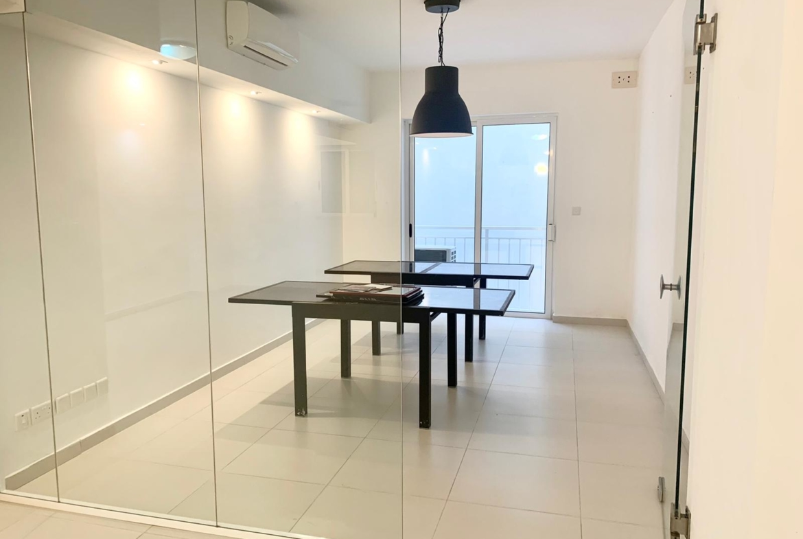 Office for rent on Tower Road in Sliema (90m2)